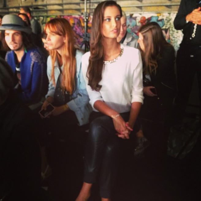 Malika Menard-Instagram-Effronte-Instagirl-France-Francaise-Miss France-Mannequin-Journaliste-Top-Model_01