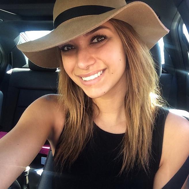 April Love Geary-Instagirl-Instagram-Sexy-Jolie-Brune-Bikini-Models-Mannequin-Américaine-02