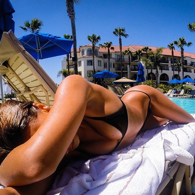 April-Love-Geary-Instagirl-Instagram-Sexy-Jolie-Brune-Bikini-Models-Mannequin-Américaine-13