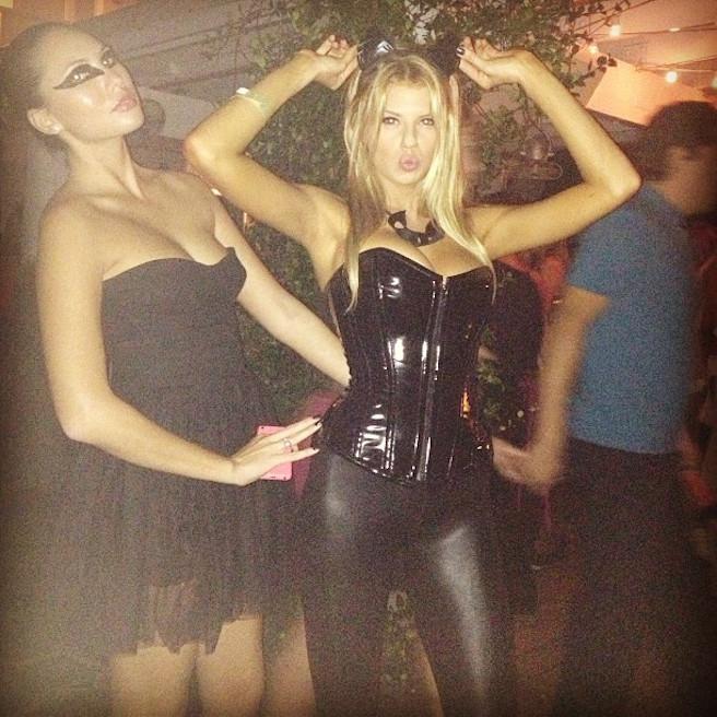 Charlotte Mckinney-Instagirl-Instagram-Sexy-Jolie-Blonde-Bikini-Américaine-Floride-Mannequin-Top-Model-03