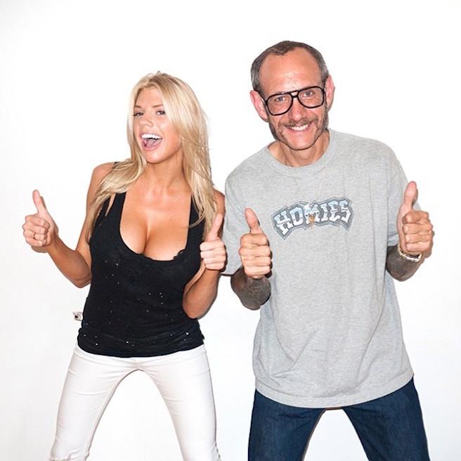Charlotte-Mckinney-Instagirl-Instagram-Sexy-Jolie-Blonde-Bikini-Américaine-Floride-Mannequin-Top-Model-11