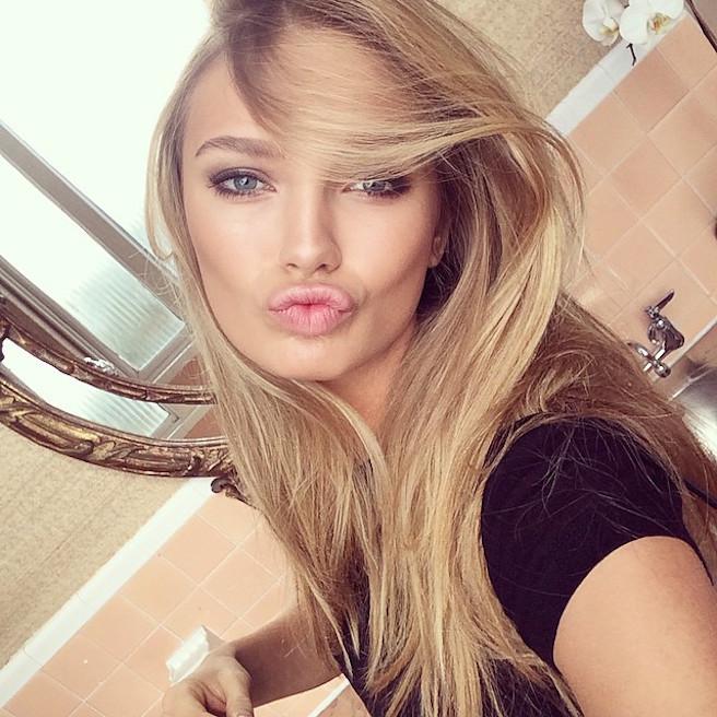 Romee Strijd-Instagirl-Instagram-Sexy-Jolie-Blonde-Bikini-Victoria Secret-Hollandaise-Pays-Bas-Mannequin-Top-Model-DNA-Models-06