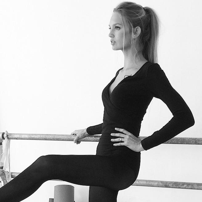 Romeestrijd-Instagirl-Instagram-Sexy-Jolie-Blonde-Bikini-Victoria Secret-Hollandaise-Pays-Bas-Mannequin-Top-Model-DNA-Models-10