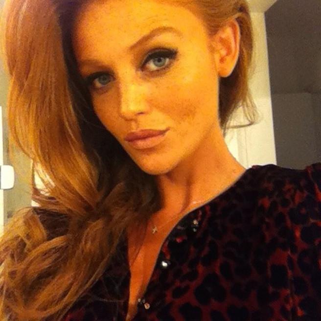 Cintia Dicker-@cintiadicker-Instagirl-Instagram-Sexy-Jolie-Rousse-Bikini-Model-Mannequin-Bresil-Brésilienne-Sport Illustrated-Victoria's Secret-effronte-06