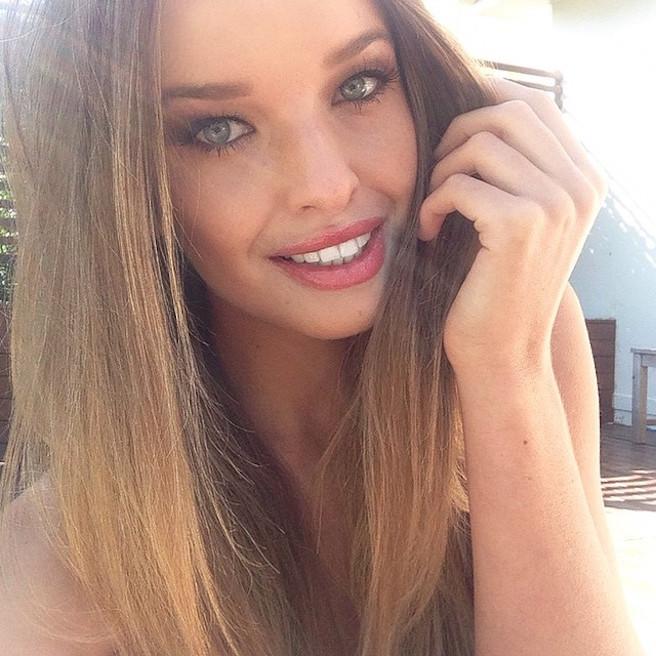 Kahili-Blundell-@kahiliblundell-Instagirl-Instagram-Sexy-Jolie-Blonde-Bikini-UFC-Model-Mannequin-Australienne-effronte-13