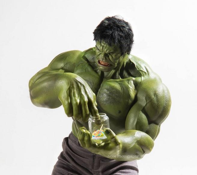 La-vie-secrète-des-super-héros-en-figurine-par-EDY-HARDJO-12