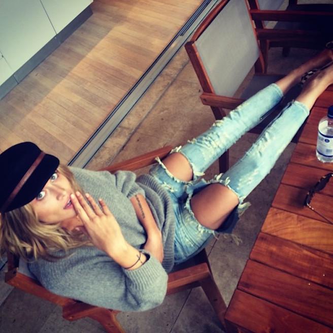 Cheyenne Tozzi-Instagirl-Instagram-Sexy-Jolie-Fille-Blonde-Bikini-Model-Mannequin-Chanteuse-Van-Hoorn-Australienne-Australie-effronte-09