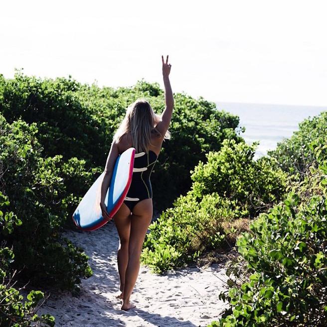Elyse Knowles-Instagirl-Instagram-Sexy-Blonde-Bikini-Wilhelmina-Model-Mannequin-Australienne-Melbourne-Jolie-effronte-08