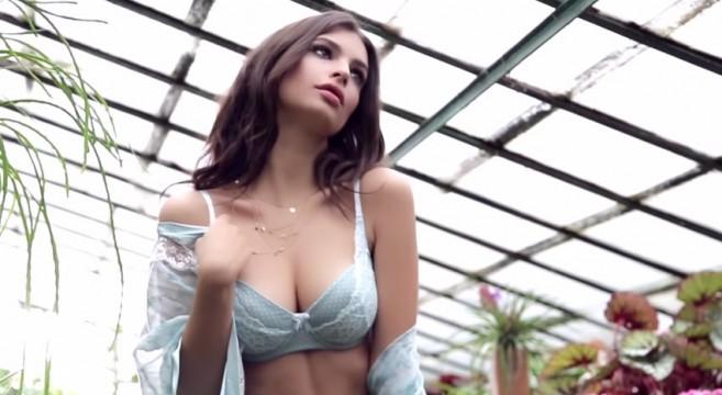 Emily-Ratajkowski-pour-la-marque-de-lingerie-Yamamay-spot-publicitaire-pub-collection-été-2015