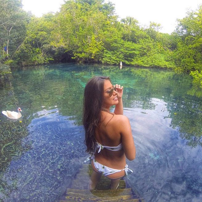 Gabriella-Lenzi-Instagirl-Instagram-Sexy-Jolie-Fille-Brune-Bikini-Ex-Copine-Neymar-Model-Mannequin-Brésilienne-Brésil-effronte-01