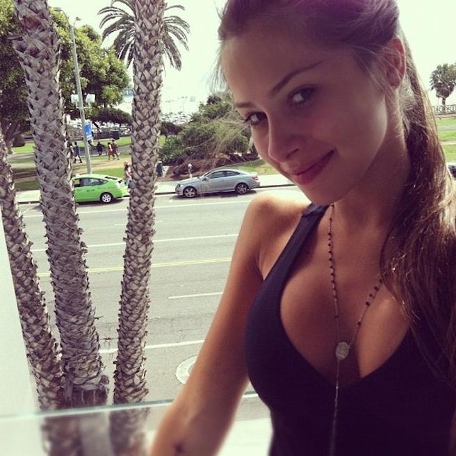 Gabriella Lenzi-Instagirl-Instagram-Sexy-Jolie-Fille-Brune-Bikini-Ex-Copine-Neymar-Model-Mannequin-Brésilienne-Brésil-effronte-03
