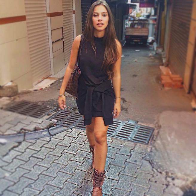 Gabriella Lenzi-Instagirl-Instagram-Sexy-Jolie-Fille-Brune-Bikini-Ex-Copine-Neymar-Model-Mannequin-Brésilienne-Brésil-effronte-11