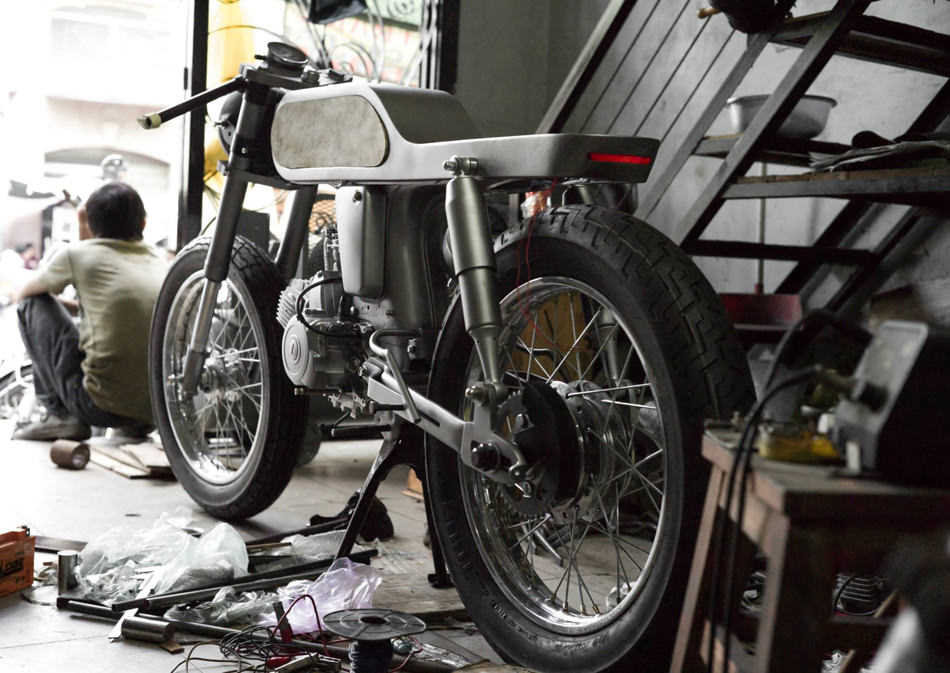 Honda-Bishop-Supersport-Bandit9-moto-custom-effronte-03