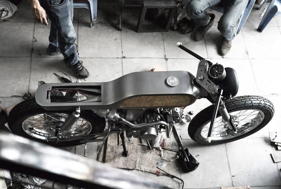 Honda-Bishop-Supersport-Bandit9-moto-custom-effronte-04
