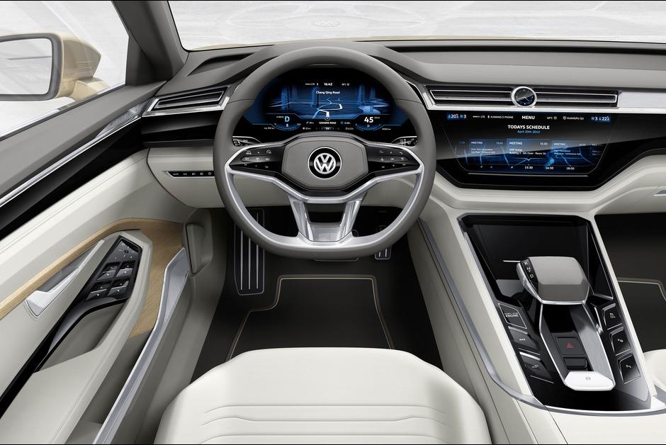 A-bord-de-la-C-Coupe-GTE-1