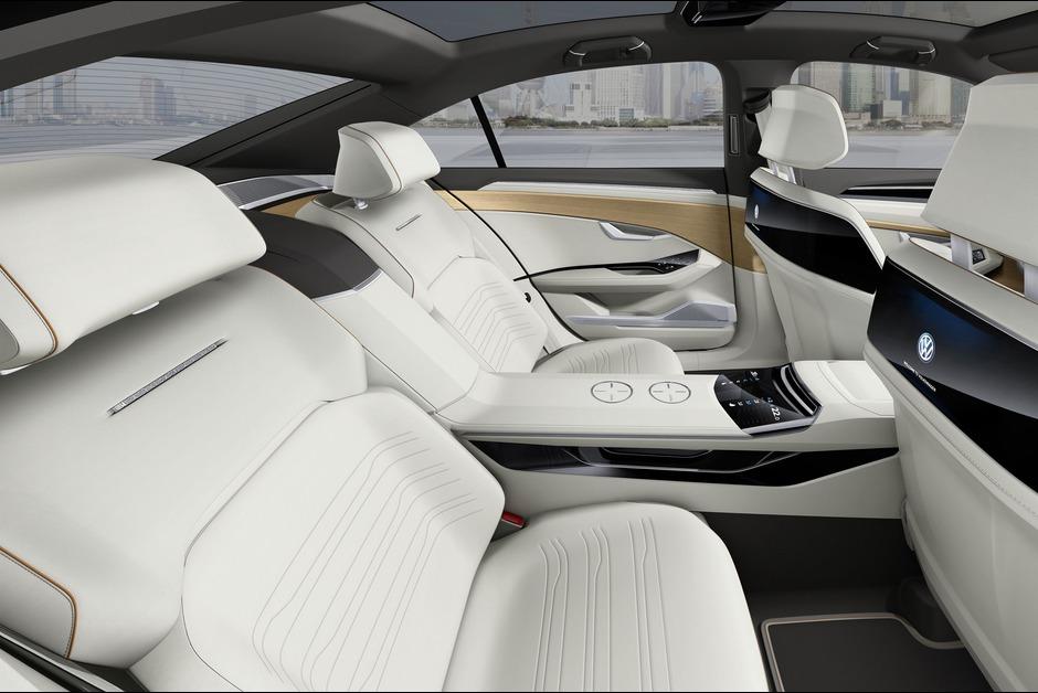 A-bord-de-la-C-Coupe-GTE-3