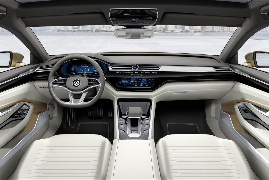 A-bord-de-la-C-Coupe-GTE