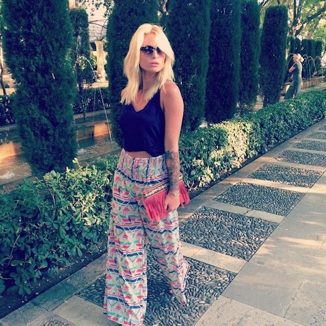 Caroline Receveur-Instagirl-Instagram-Sexy-Jolie-Fille-Blonde-Blogueuse-Mode-TV-NRJ12-France-Francaise-effronte-03