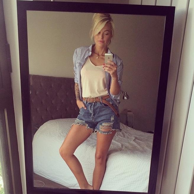 Caroline Receveur-Instagirl-Instagram-Sexy-Jolie-Fille-Blonde-Blogueuse-Mode-TV-NRJ12-France-Francaise-effronte-06