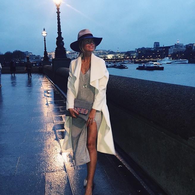 Caroline-Receveur-Instagirl-Instagram-Sexy-Jolie-Fille-Blonde-Blogueuse-Mode-TV-NRJ12-France-Francaise-effronte-10