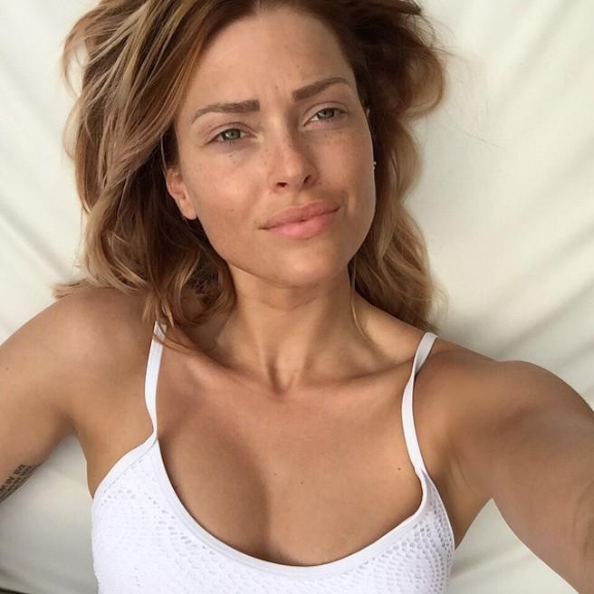 Caroline-Receveur-Instagirl-Instagram-Sexy-Jolie-Fille-Blonde-Blogueuse-Mode-TV-NRJ12-France-Francaise-effronte-12