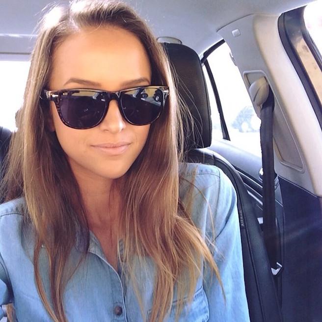 Helen-Owen-Instagirl-Instagram-Sexy-Jolie-Fille-Brune-Brunette-Mode-Bikini-Los-Angeles-USA-Américiane-effronte-15