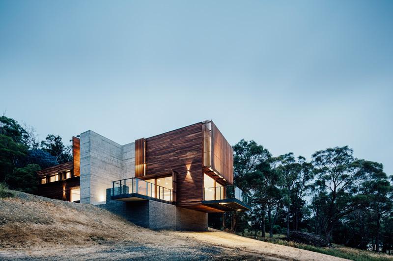 Maison-Invermay-House-par-Moloney-Architectes-01