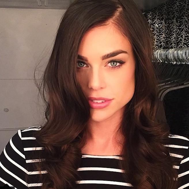 Raina Hein-Instagirl-Instagram-Sexy-Jolie-Fille-Brune-Sourire-Mode-Mannequin-Bikini-Los-Angeles-LA-USA-Américiane-To-Say-Goodbay-effronte-03