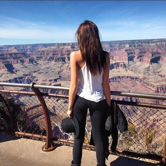 Raina-Hein-Instagirl-Instagram-Sexy-Jolie-Fille-Brune-Sourire-Mode-Mannequin-Bikini-Los-Angeles-LA-USA-Américiane-To-Say-Goodbay-effronte-14
