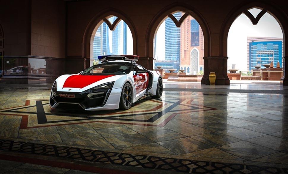 Abu-Dhabi-Police-Lykan-Hypersport-4