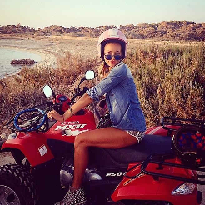 Alessia Tedeschi-Instagirl-Instagram-Sexy-Jolie-Fille-Bombe-Blonde-Italienne-Italie-Mannequin-Femme-Milan--Sport-Binini-Bikinis-Footballeur-Nouvelle-Copine-Cristiano-Ronaldo-WAG-effronte-04