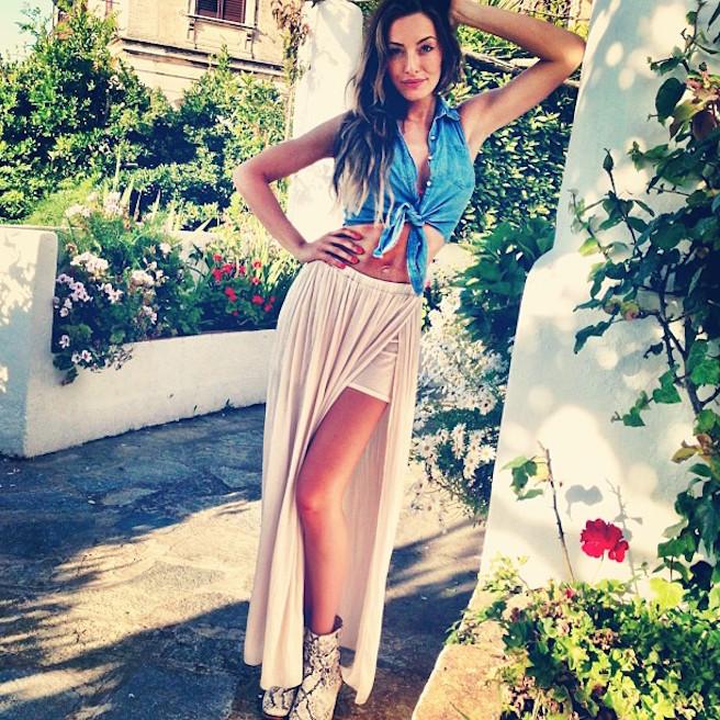 Alessia-Tedeschi-Instagirl-Instagram-Sexy-Jolie-Fille-Bombe-Blonde-Italienne-Italie-Mannequin-Femme-Milan--Sport-Binini-Bikinis-Footballeur-Nouvelle-Copine-Cristiano-Ronaldo-WAG-effronte-12