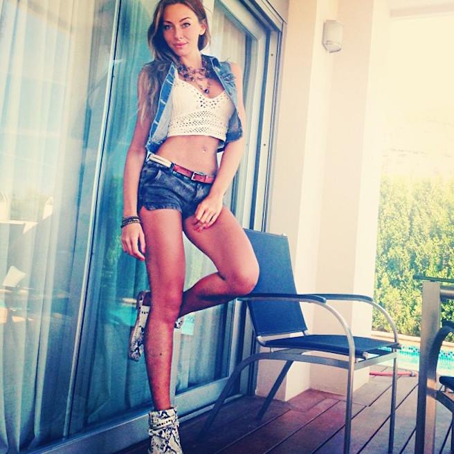 Alessia-Tedeschi-Instagirl-Instagram-Sexy-Jolie-Fille-Bombe-Blonde-Italienne-Italie-Mannequin-Femme-Milan--Sport-Binini-Bikinis-Footballeur-Nouvelle-Copine-Cristiano-Ronaldo-WAG-effronte-13
