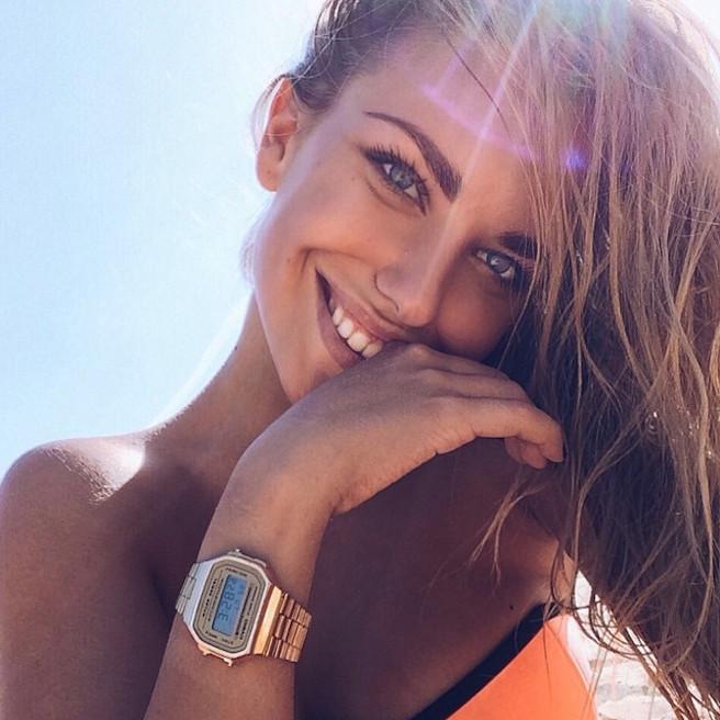 Alexandra Burimova-Instagirl-Instagram-Sexy-Jolie-Fille-Bombe-Blonde-Russe-Russie-Mannequin-Femme-Sport-Bikini-Skate-effronte-06