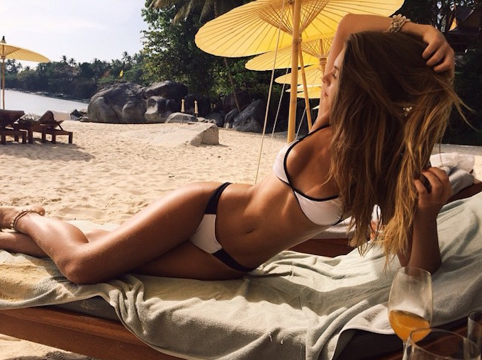 Carmella Rose-Instagirl-Instagram-Sexy-Jolie-Fille-Bombe-Brune-Américaine-Los Angeles-Mannequin-Femme-Sport-Bikini-wilhelmina-effronte-cover