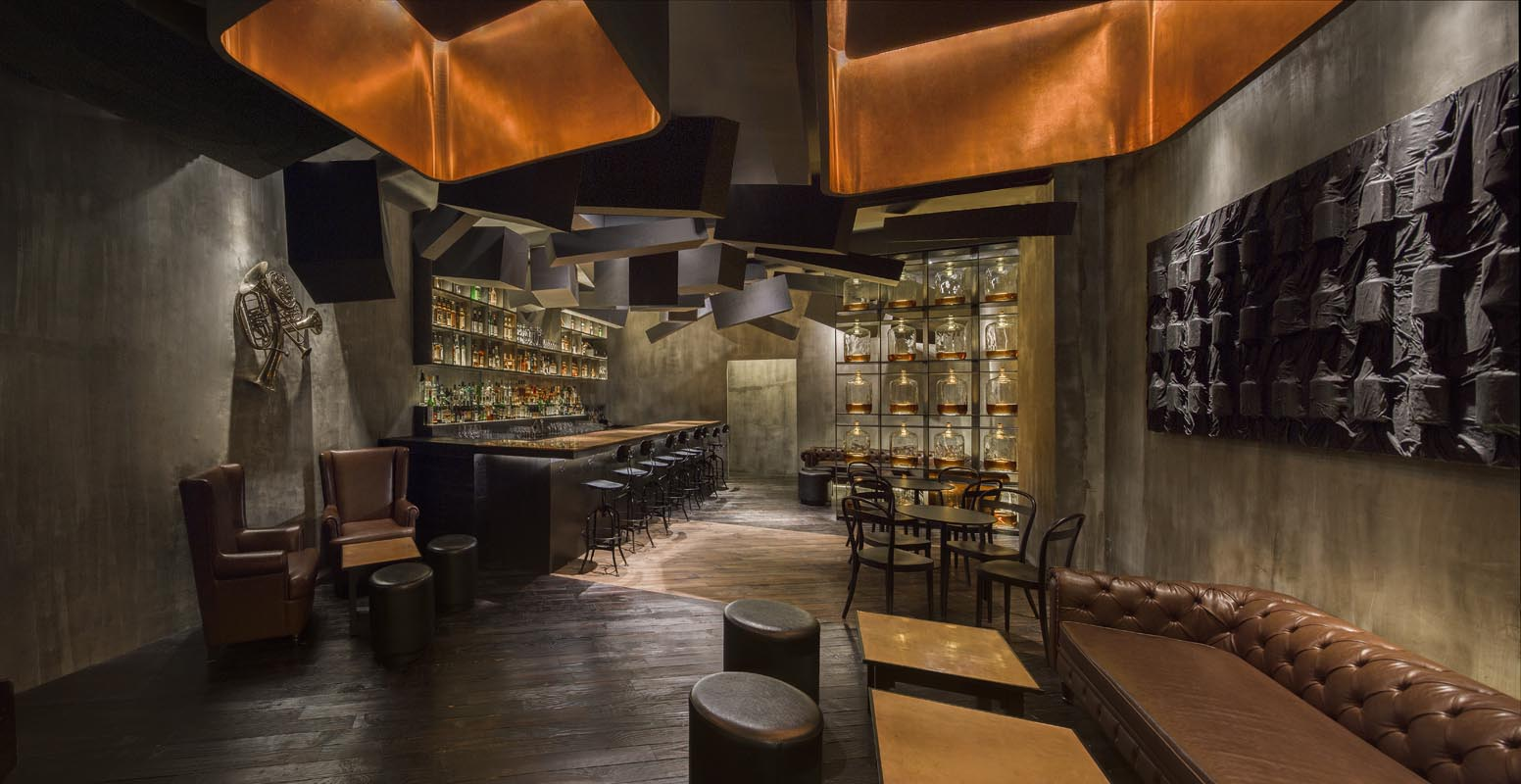 FLASK & THE PRESS-par-Alberto-Caiola-Shanghai-bar-trendy-architecture-design-effronte-01
