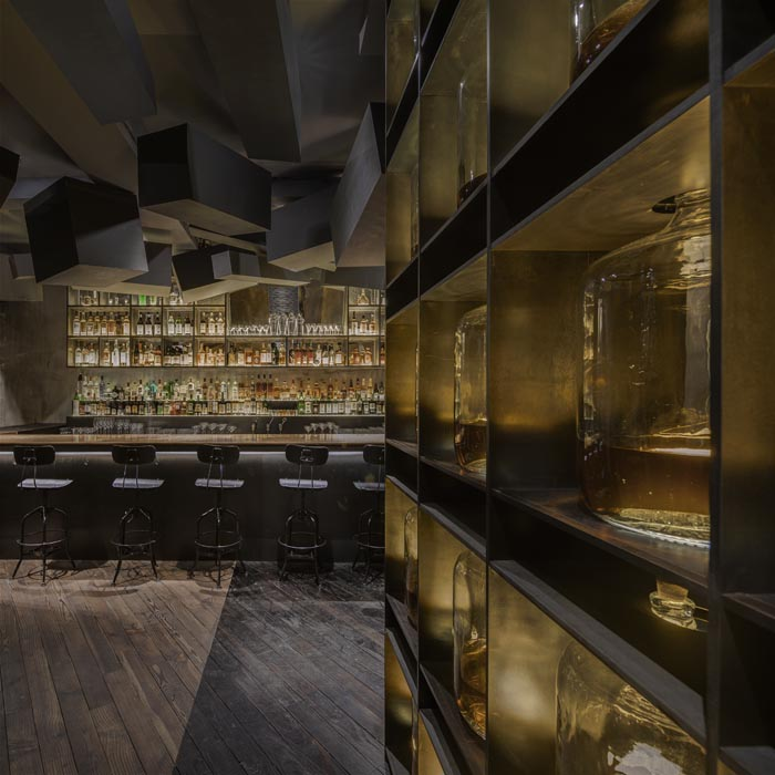 FLASK-&-THE PRESS-par-Alberto-Caiola-Shanghai-bar-trendy-architecture-design-effronte-02