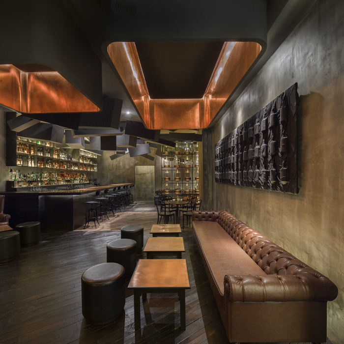 FLASK & THE PRESS-par-Alberto-Caiola-Shanghai-bar-trendy-architecture-design-effronte-07