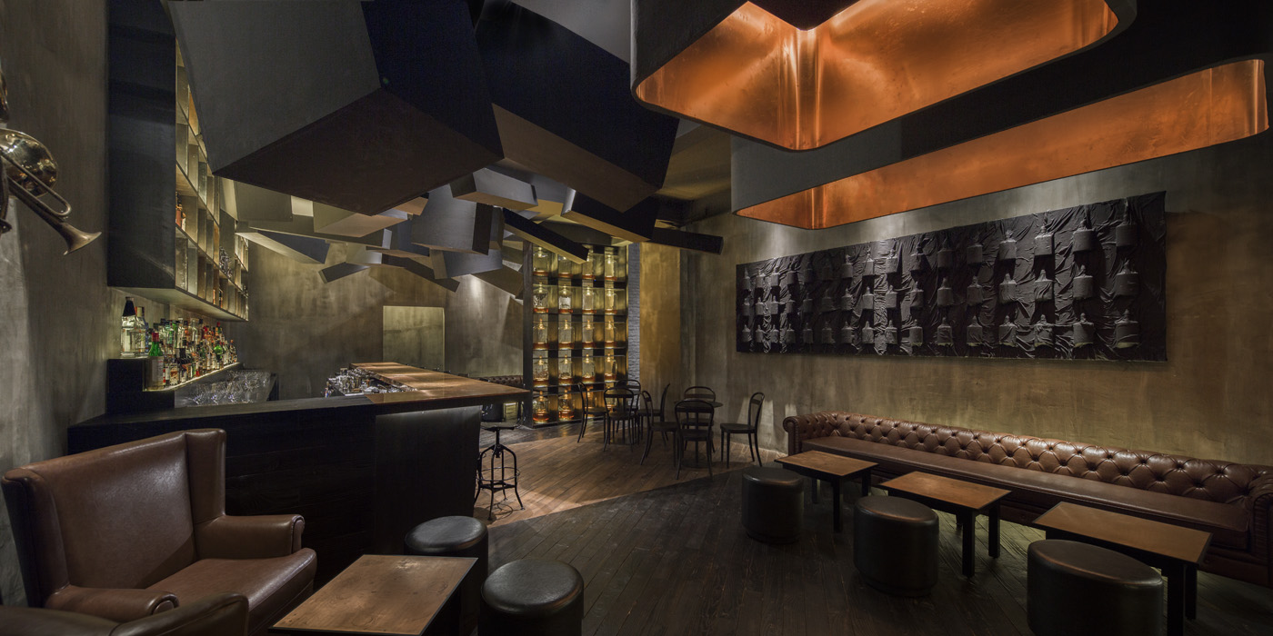FLASK & THE PRESS-par-Alberto-Caiola-Shanghai-bar-trendy-architecture-design-effronte-08