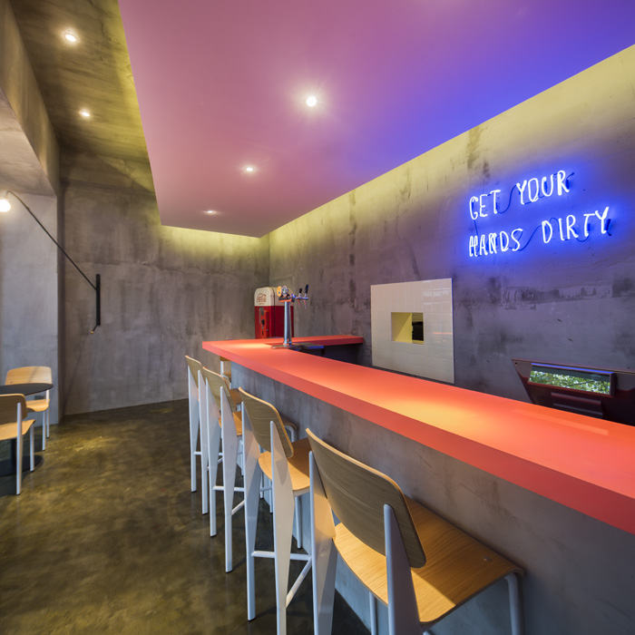FLASK & THE PRESS-par-Alberto-Caiola-Shanghai-bar-trendy-architecture-design-effronte-10