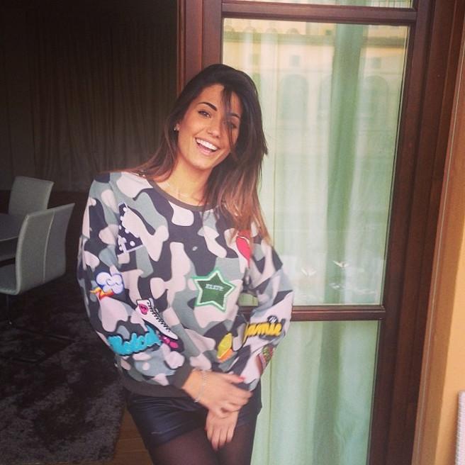 Federica-Nargi-Instagirl-Instagram-Sexy-Jolie-Fille-Bombe-Brune-Italienne-Rome-Turin-Mannequin-Femme-Sport-Bikini-Présentatrice-Juventus-Matri-effronte-10