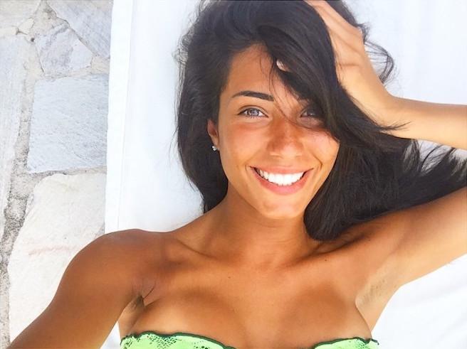 Federica Nargi-Instagirl-Instagram-Sexy-Jolie-Fille-Bombe-Brune-Italienne-Rome-Turin-Mannequin-Femme-Sport-Bikini-Présentatrice-Juventus-Matri-effronte-Cover
