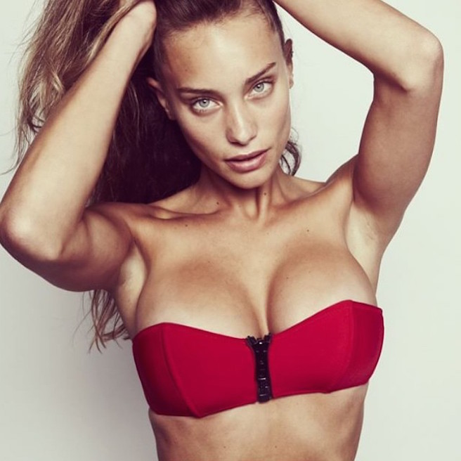 Hannah Davis-Instagirl-Instagram-Sexy-Jolie-Fille-Bombe-Blonde-Américaine-Iles Vierges-Mannequin-Femme-Sport-Bikini-Derek-Jeter-Sport-Illustrated-effronte-04