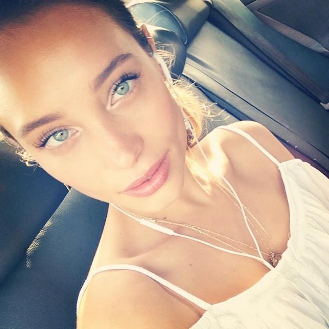 Hannah-Davis-Instagirl-Instagram-Sexy-Jolie-Fille-Bombe-Blonde-Américaine-Iles Vierges-Mannequin-Femme-Sport-Bikini-Derek-Jeter-Sport-Illustrated-effronte-10