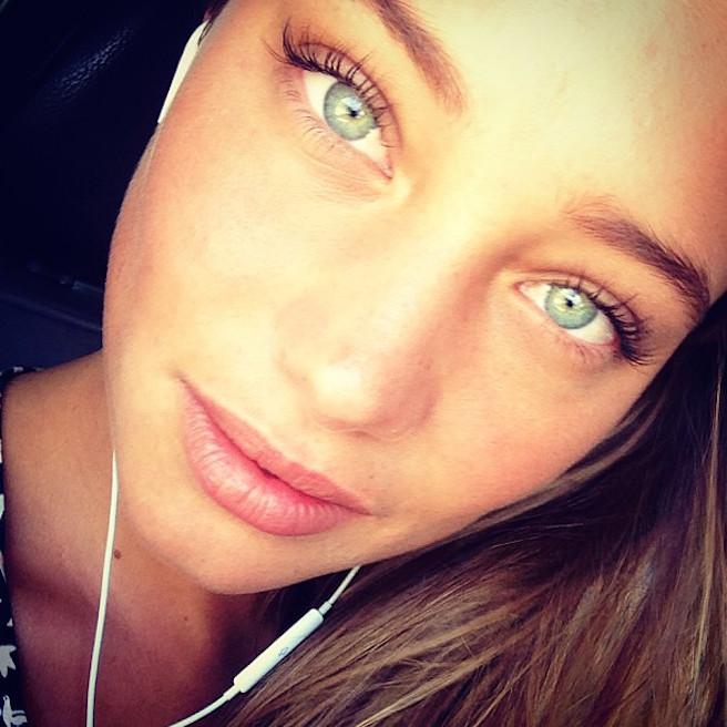 Hannah-Davis-Instagirl-Instagram-Sexy-Jolie-Fille-Bombe-Blonde-Américaine-Iles Vierges-Mannequin-Femme-Sport-Bikini-Derek-Jeter-Sport-Illustrated-effronte-12