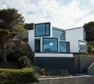 Maison-Tournesol-Sunflower-par-Cadaval-&-Solà-Morales-Architecture-Design-Espagne-Costa-Brava-effronte-01