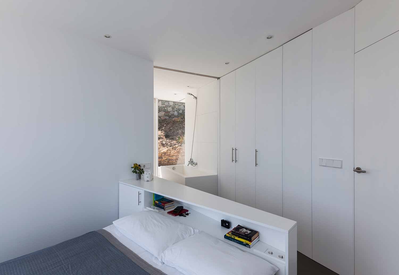 Maison-Tournesol-Sunflower-par-Cadaval-&-Solà-Morales-Architecture-Design-Espagne-Costa-Brava-effronte-03