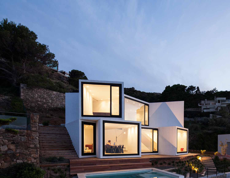 Maison-Tournesol-Sunflower-par-Cadaval-&-Solà-Morales-Architecture-Design-Espagne-Costa-Brava-effronte-06