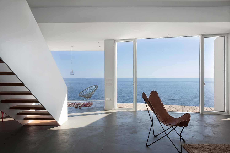 Maison-Tournesol-Sunflower-par-Cadaval-&-Solà-Morales-Architecture-Design-Espagne-Costa-Brava-effronte-09