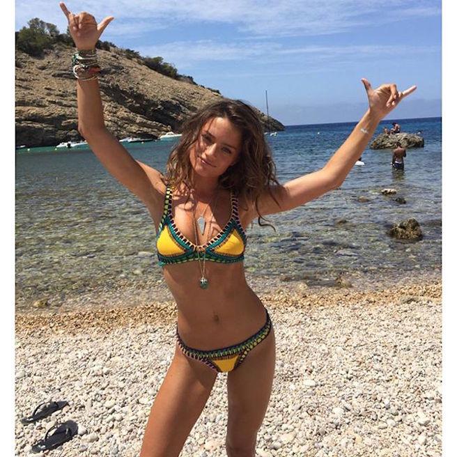 Jessica Lee Buchanan-Instagirl-Instagram-Sexy-Jolie-Fille-Bombe-Brune-Yeux-Bleus-Afrique du Sud-Cape Town-Mannequin-Femme-Sport-Ice-Model-Management-Bikini-effronte-05